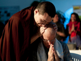 H.H the 17th Karmapa thanking Lama Ole Nydahl